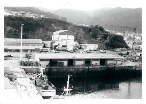A mediados de los ochenta la actividad pesquera se centralizaba en el muelle norte.